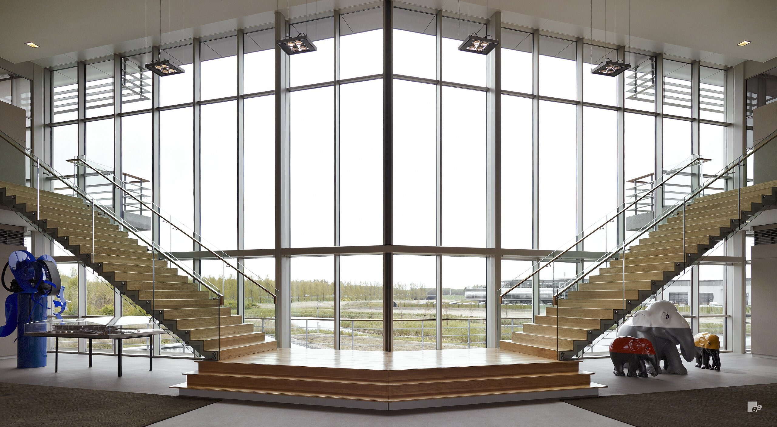Dominationg design staircase for PON Holding